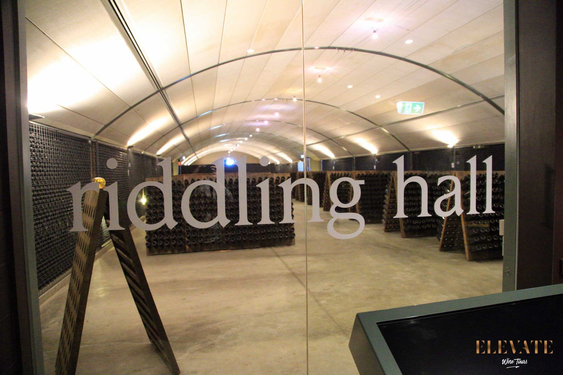 RIDDLING-HALL-DOMAINE-YARRA-VALLEY