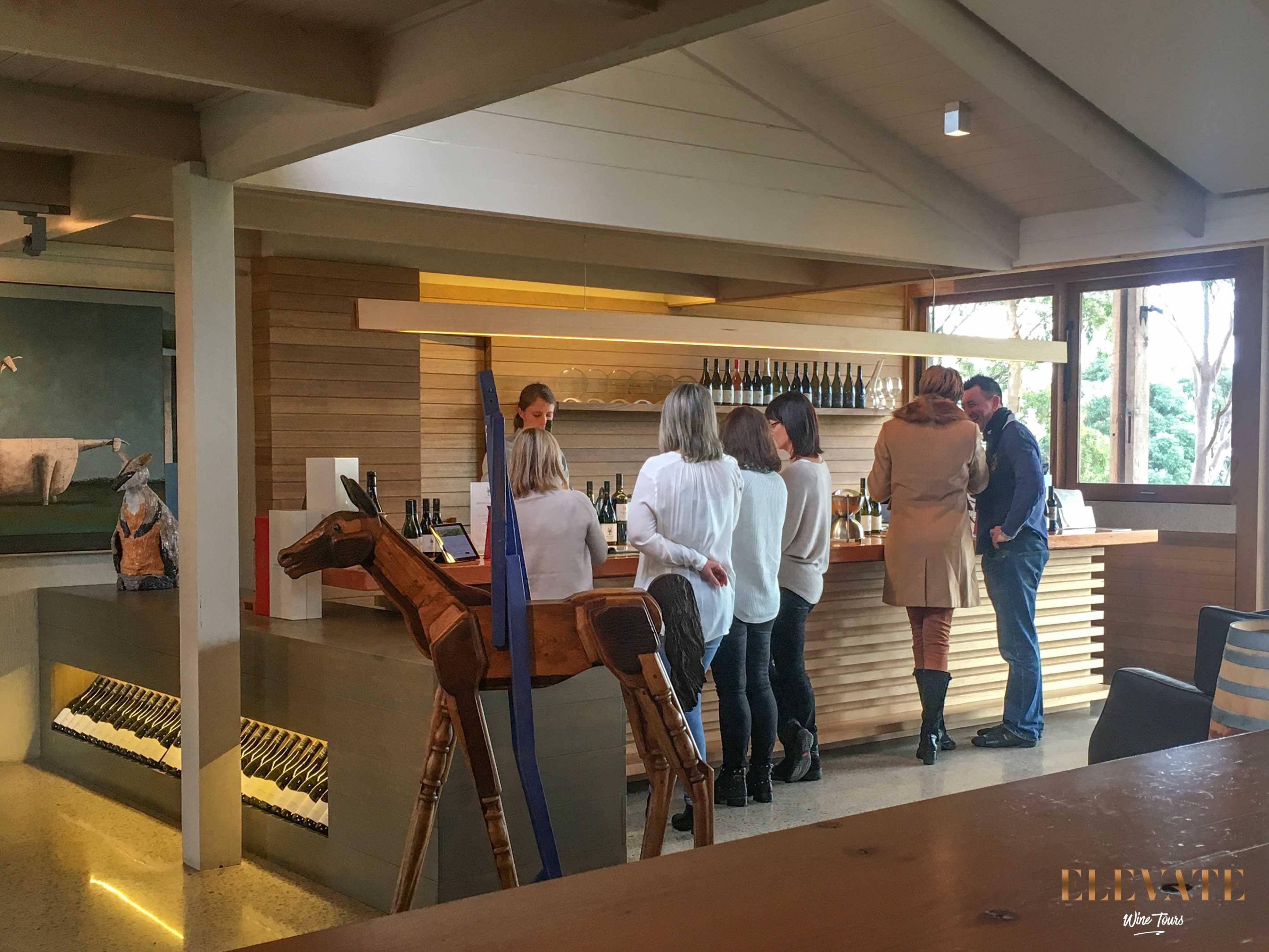 CELLAR-DOOR-WINE-TOUR-YABBY-LAKE