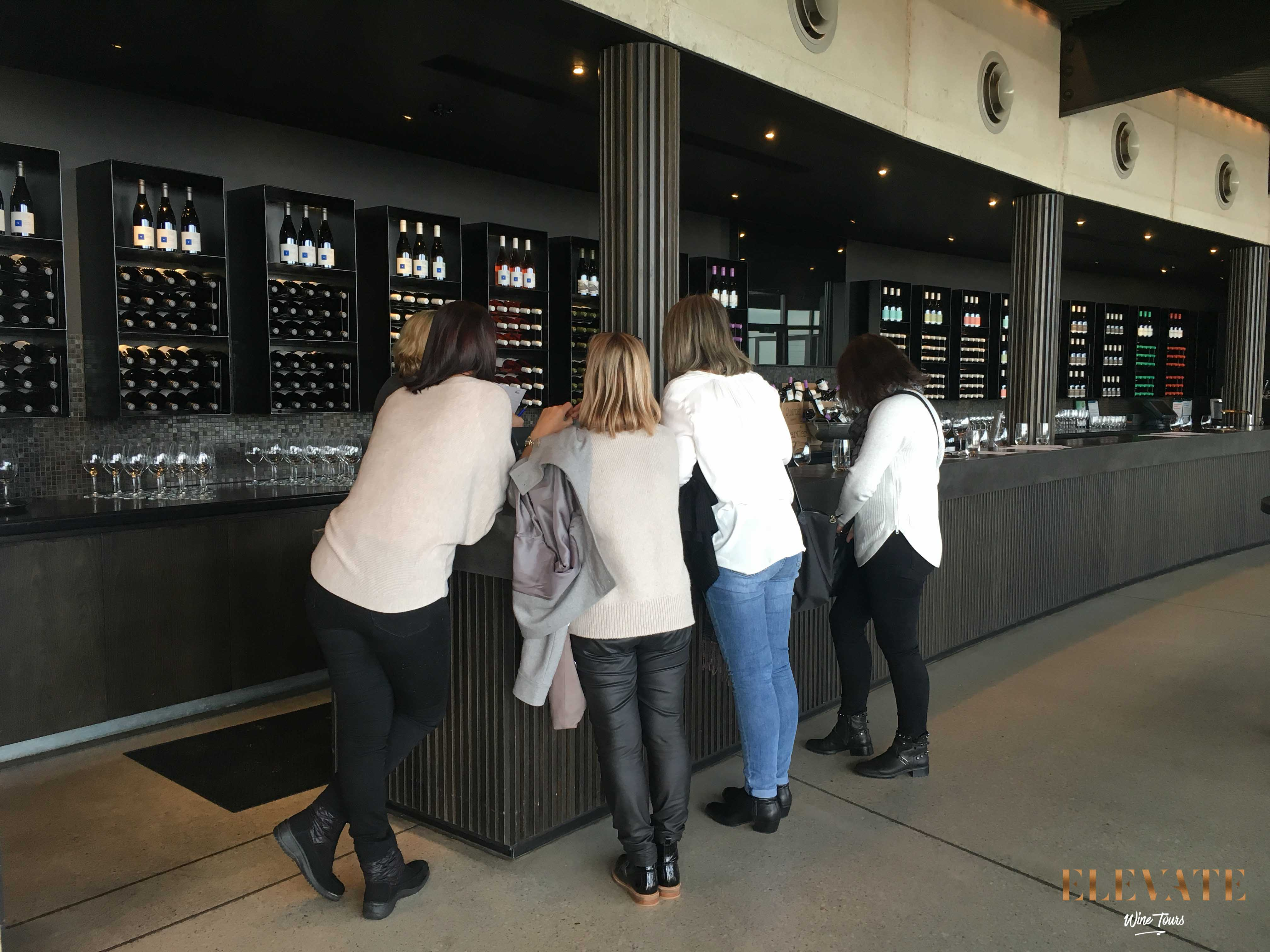 PORT-PHILLIP-ESTATE-WINERY-TOUR