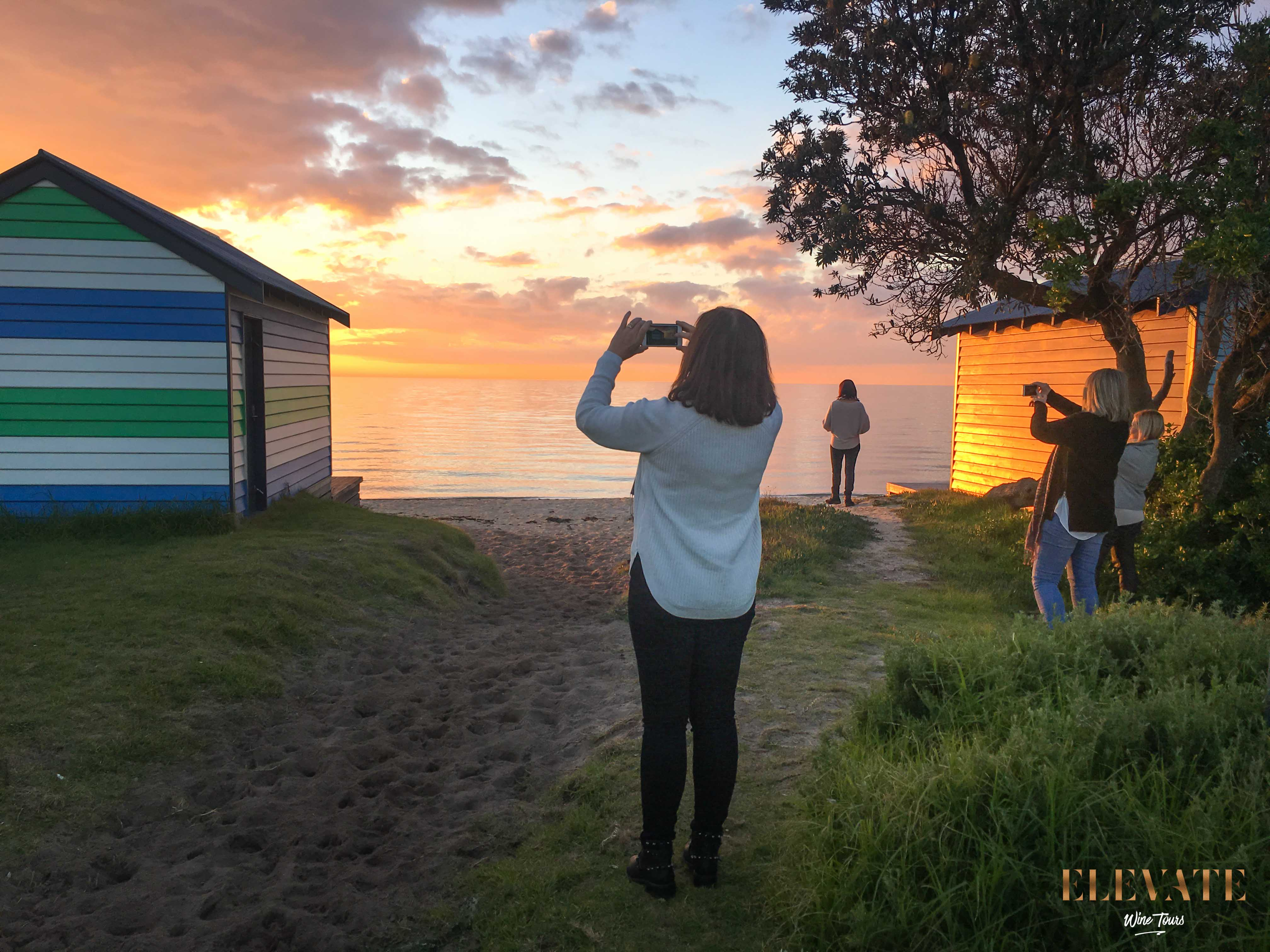 DROMANA-FORESHORE-SUNSET-WINERY-TOUR-BEACH-HUT